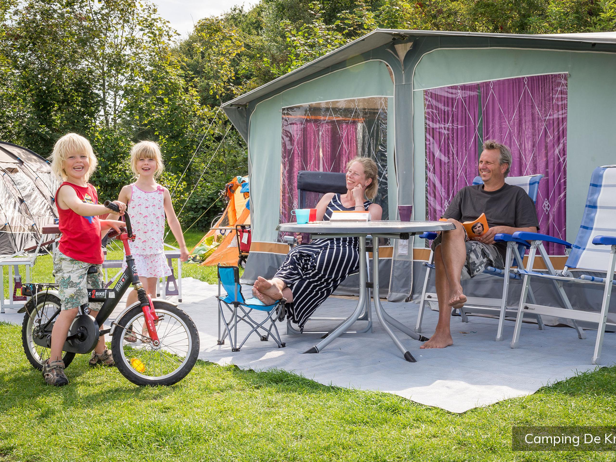 Stellplatz auf gut eingerichtetem Campingplatz bei De Cocksdorp