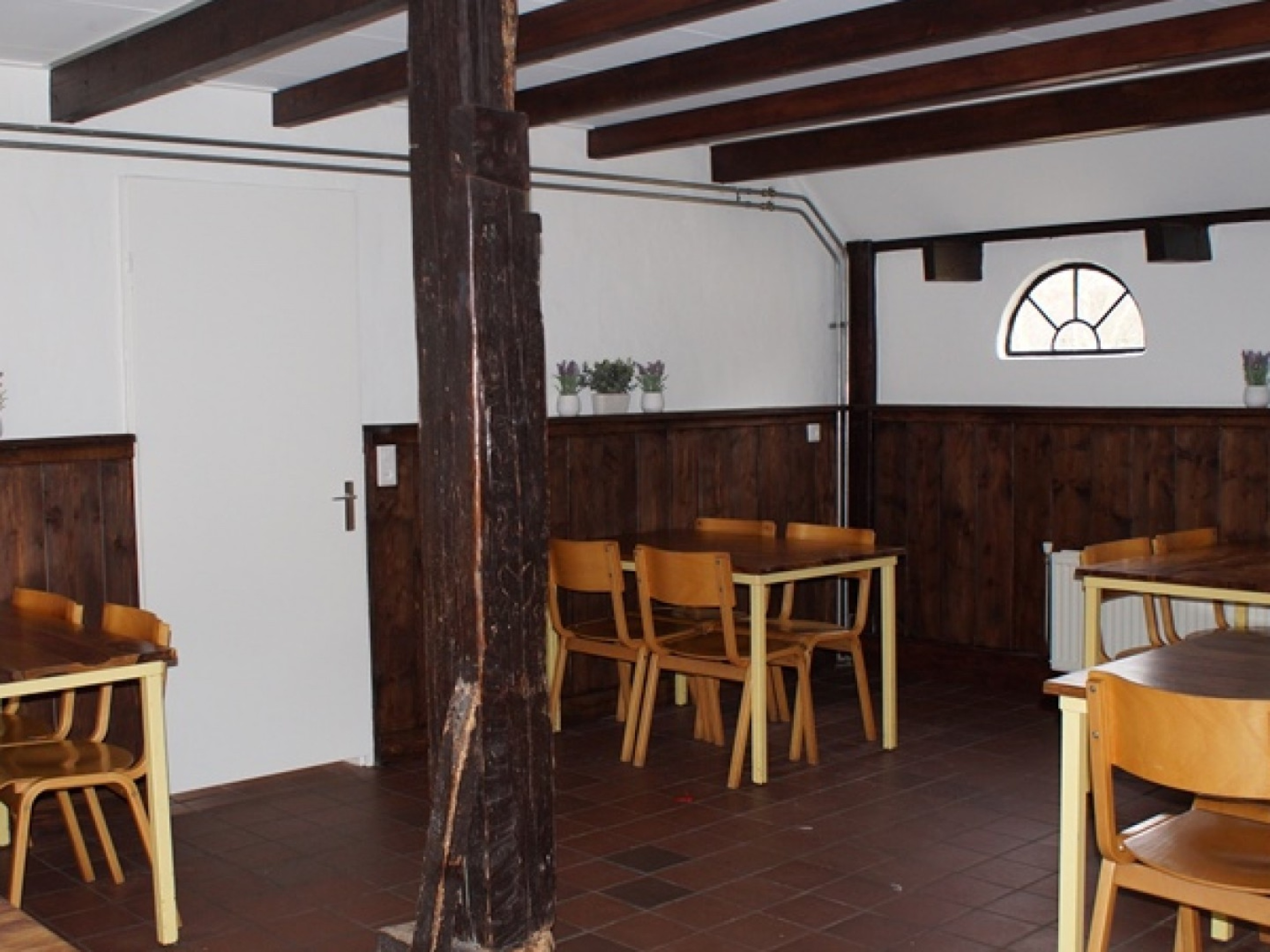 Enjoy the fullest in ideally located group accommodation nearby the beach in De Koog