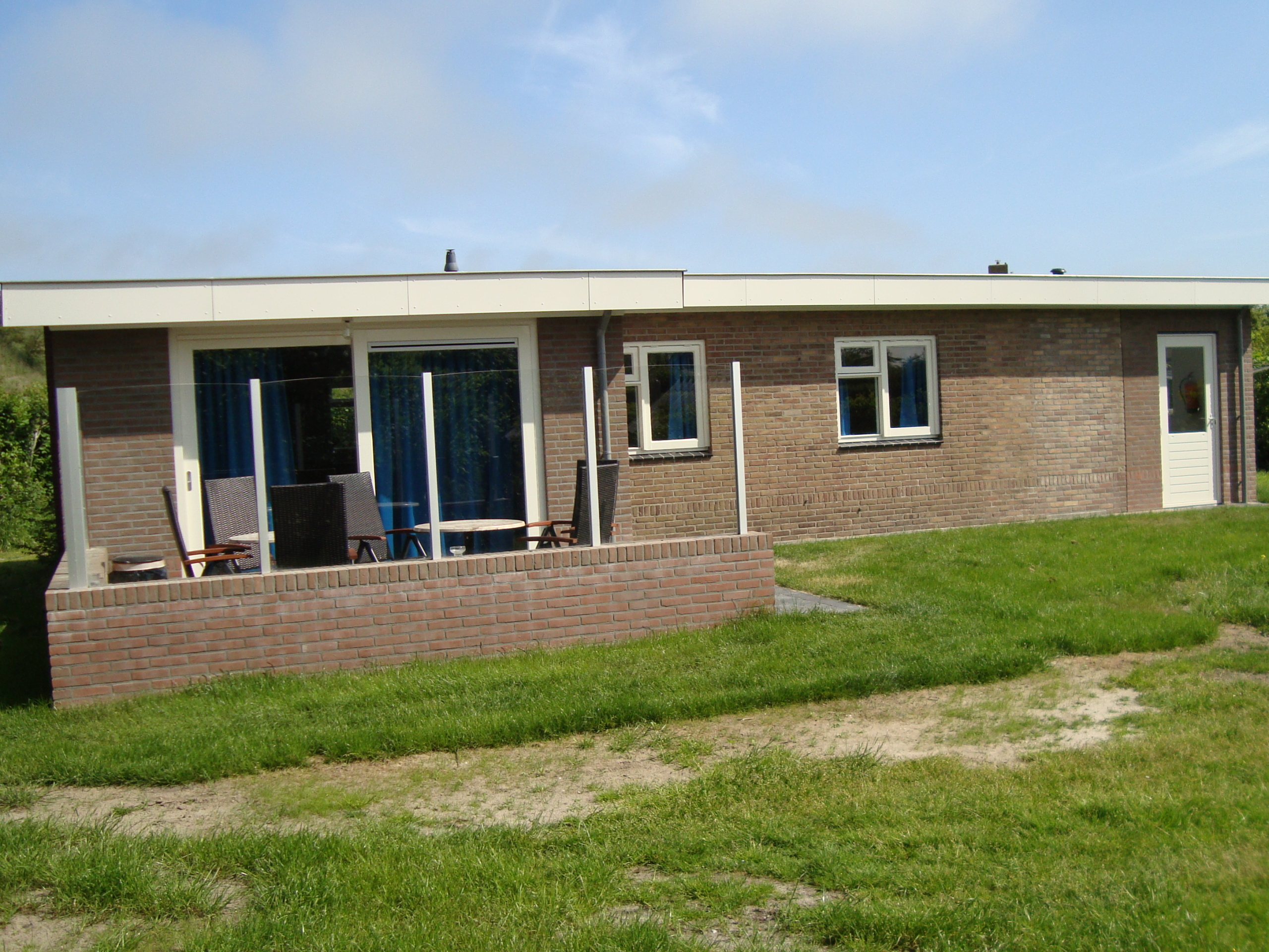 Comfortable holiday home with a panoramic view, located at the foot of the dunes of the De Slufter
