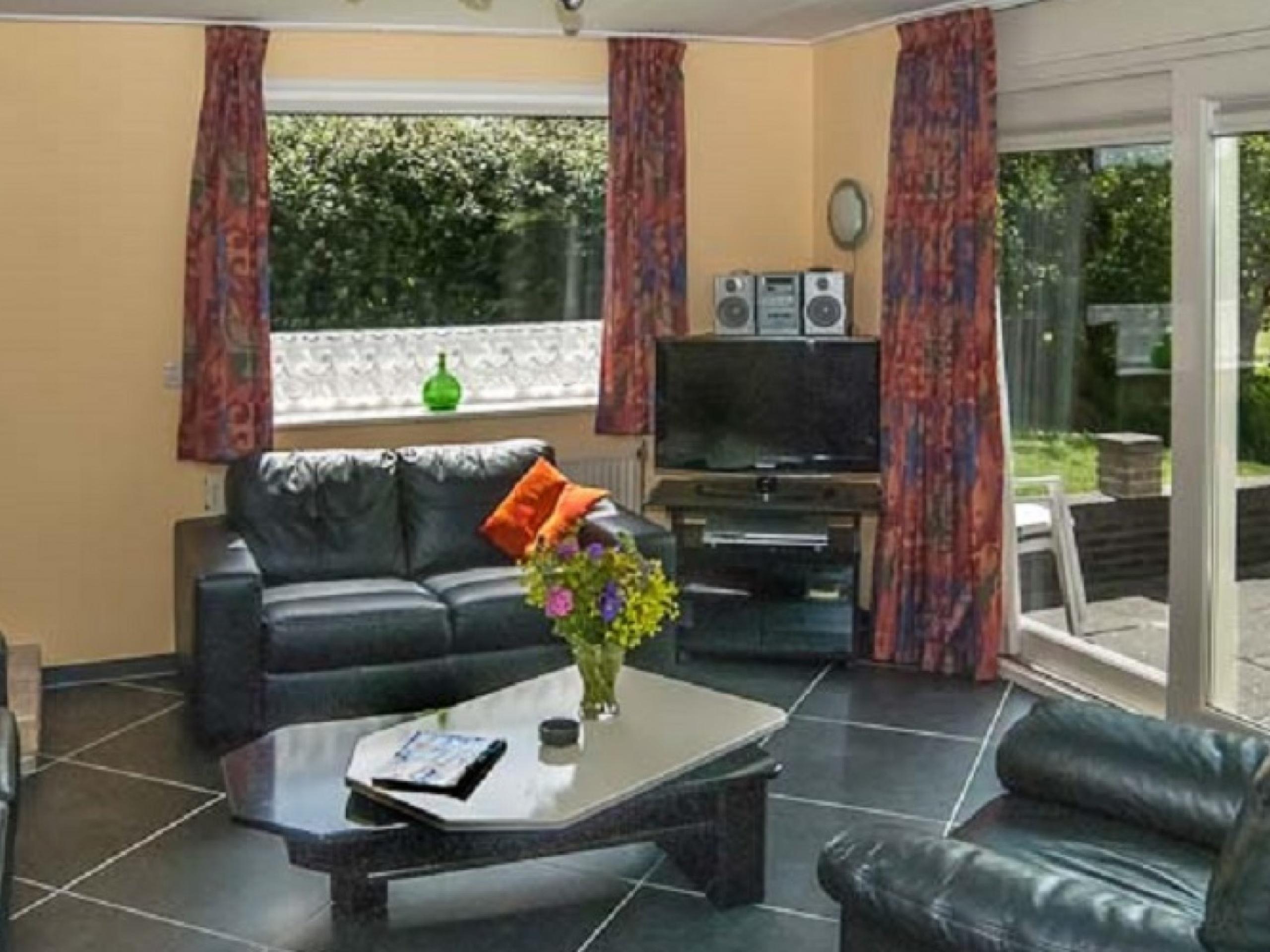 Luxe vakantiehuis met grote tuin op fantastische locatie bij De Koog op 10-15 minuten wandelen van het strand