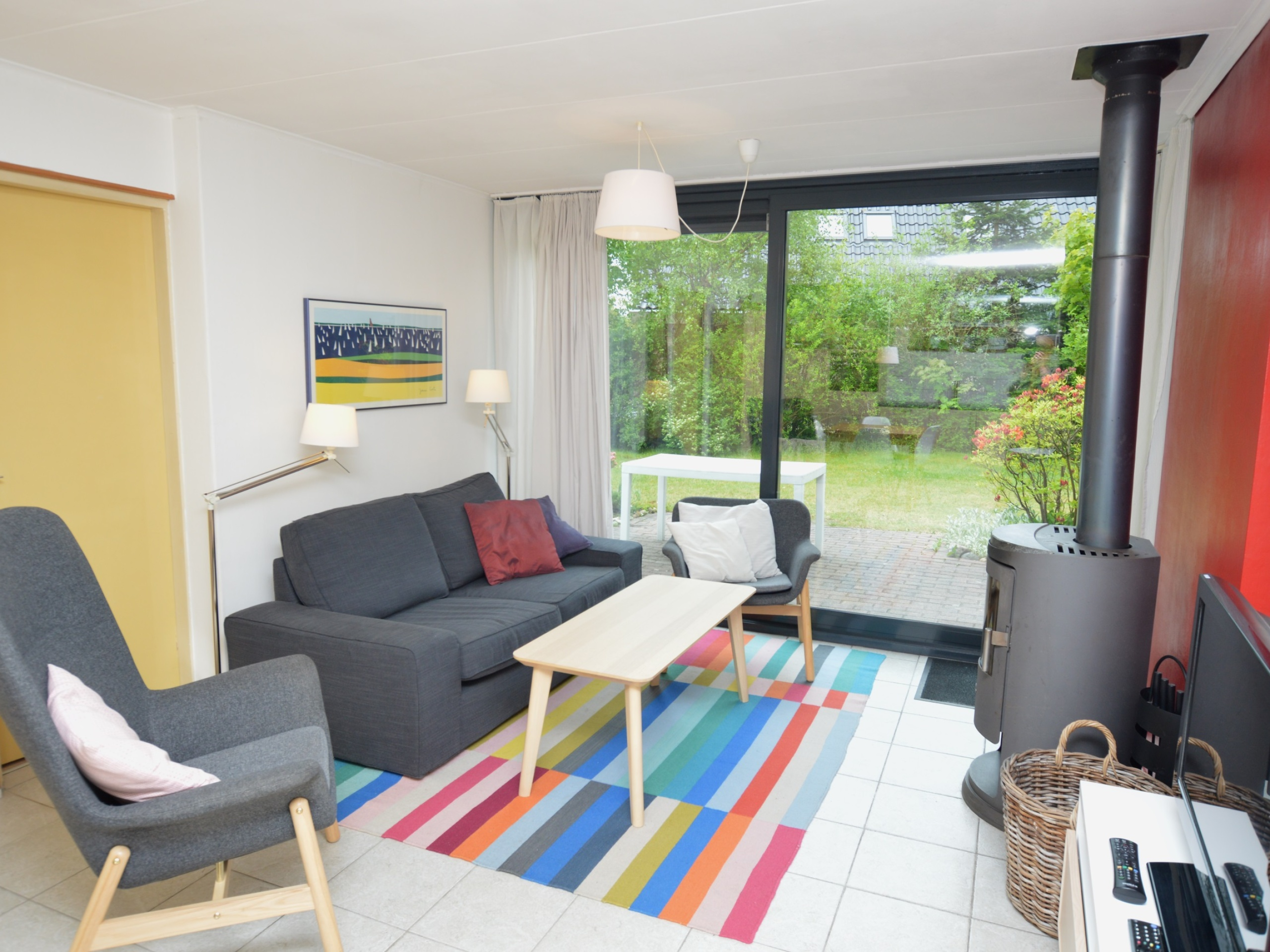 Detached bungalow with lovely big sunny garden near the woods