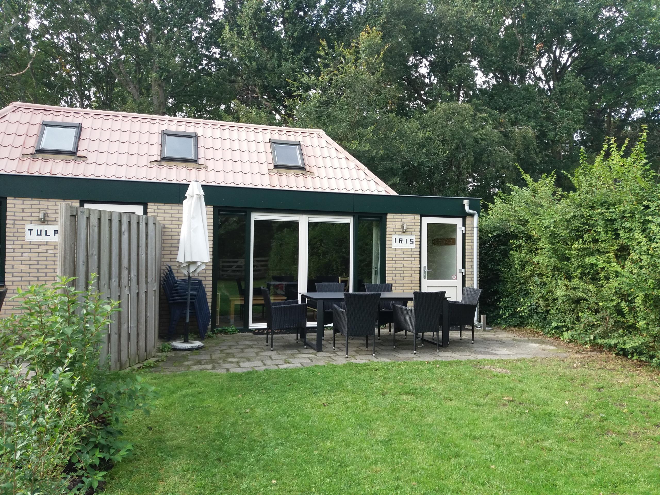 Semi-detached holiday home near De Koog and recreational woods