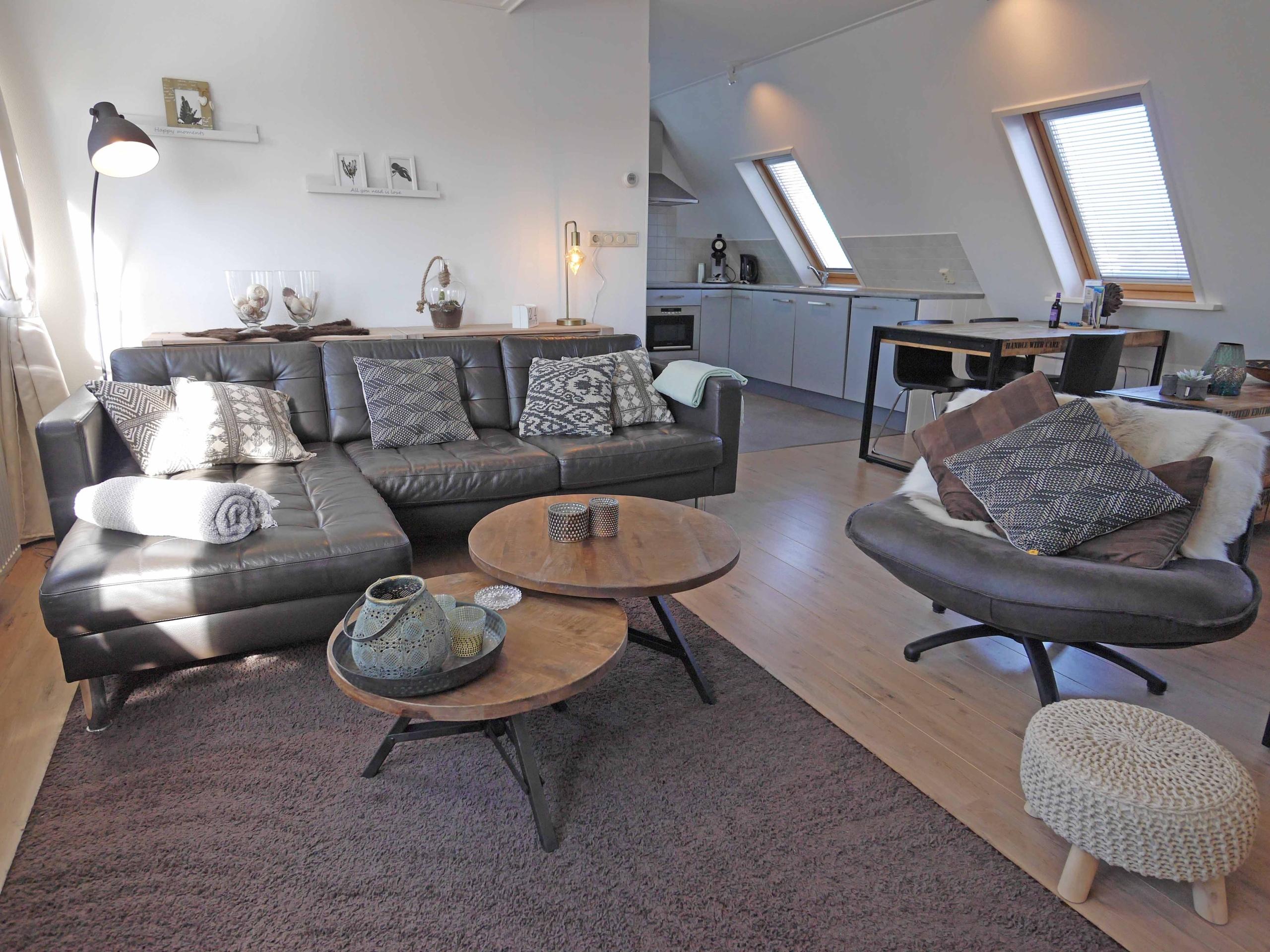 Luxe en ruime studio met opgemaakte bedden vlakbij Den Burg
