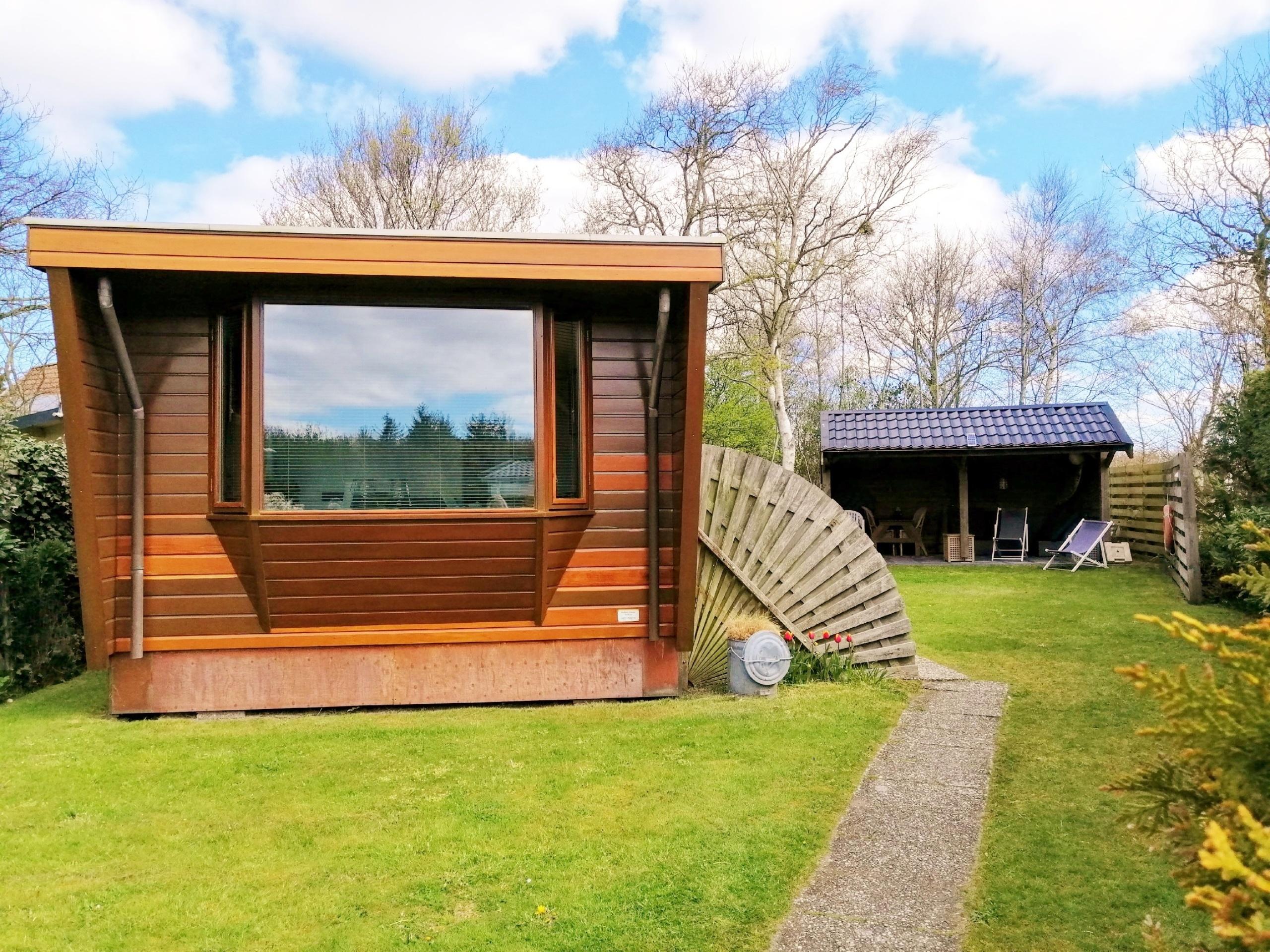 Freistehendes Mobilheim auf Campingplatz in Waldnähe bei Den Burg