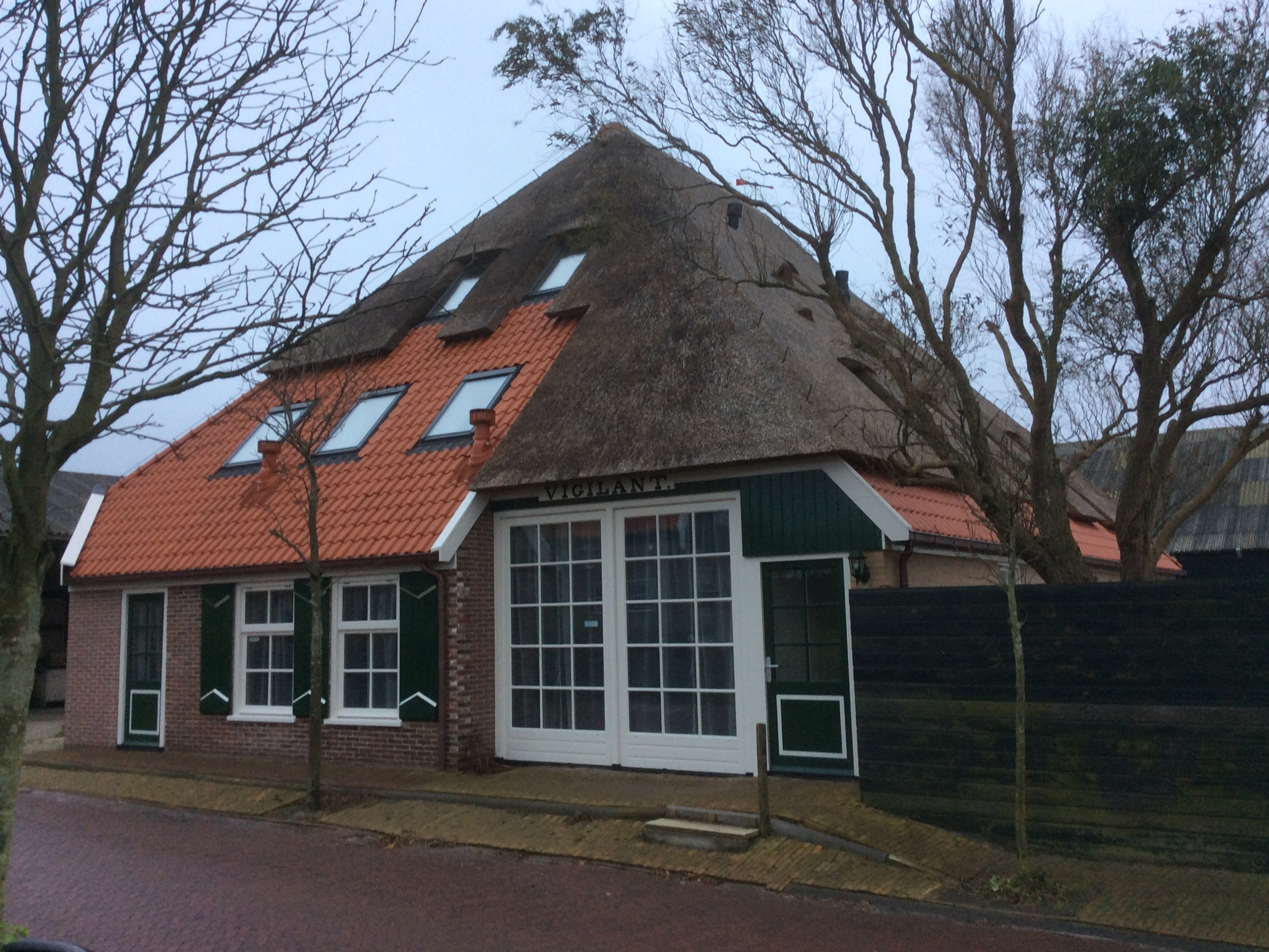 Comfortable holidayhome in the middle of the picturesque Den Hoorn