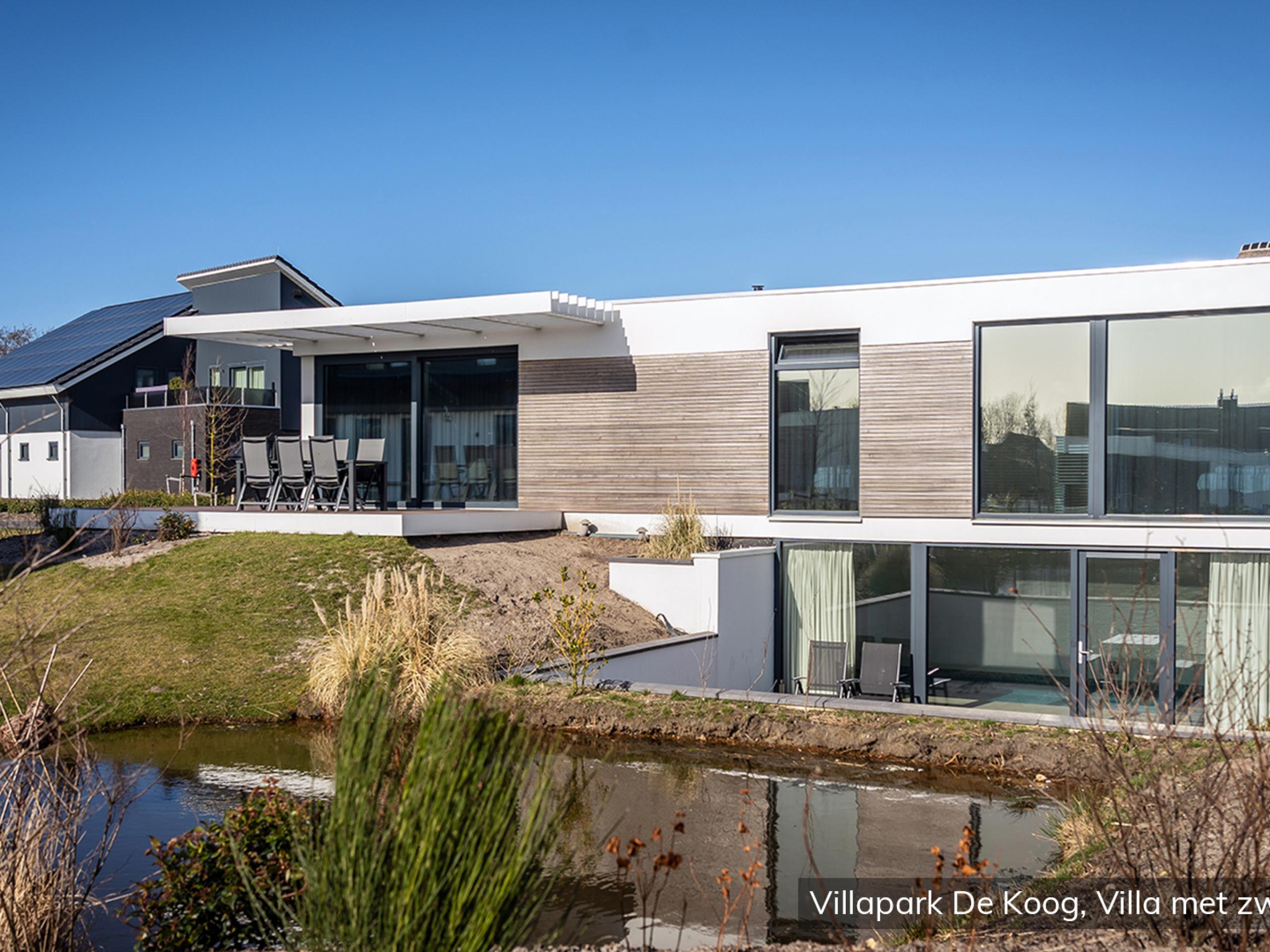 Luxe familievilla voor 6 personen met privé binnenzwembad op villapark in De Koog