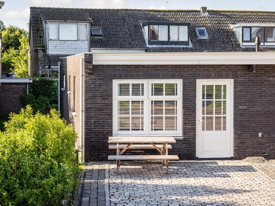 Dit luxe appartement met prachtig uitzicht op de Texelse vuurtoren laat u echt genieten van Texel