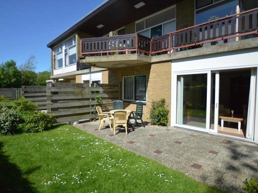 Royaal en comfortabel appartement met zonnig terras direct bij het bos nabij De Koog