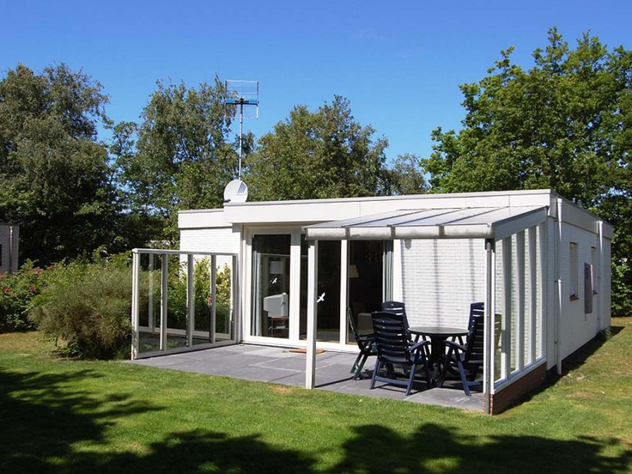 Beautiful detached bungalow on the edge of the woods