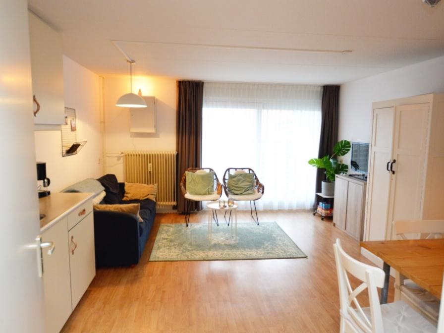 Komfortables Apartment mit Balkon im ersten Stock, nur wenige Gehminuten vom Strand entfernt, mitten in De Koog