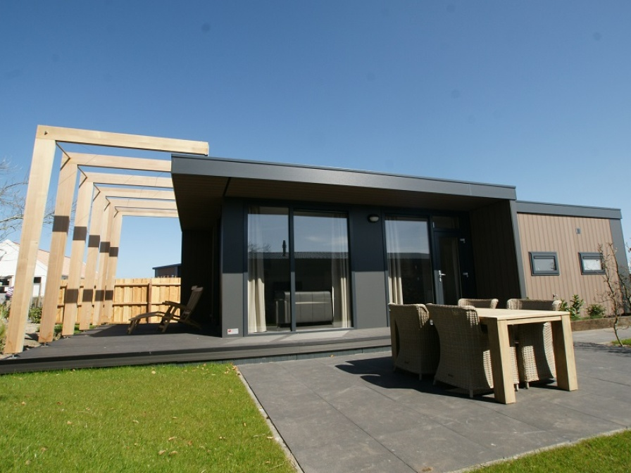 Modern luxury chalet beautifully situated near the sea in De Cocksdorp